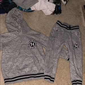 Gray two piece hoodie outfit